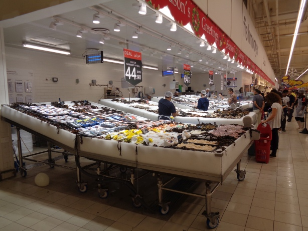 Mall of the Emirates - Fischstand im Carrefour